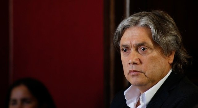 Interponen recurso contra Blumel y General Rozas por espionaje de líderes sociales
