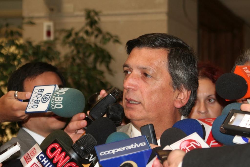 Avanza la unidad: Lautaro Carmona (PC) destacó acuerdo junto al PRO y FRVS