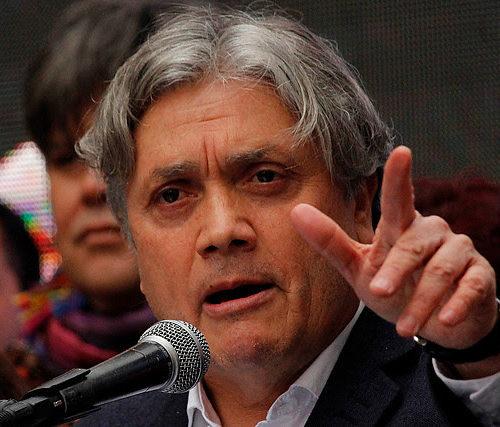 [El Mostrador] Senador Navarro acude a Defensoría de la Niñez por el uso indebido de imagen de niño en campaña del Mineduc