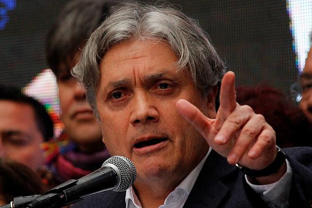 [El Mostrador] Senador Navarro acusa reemplazos en huelga del aeropuerto por parte de empresas externas