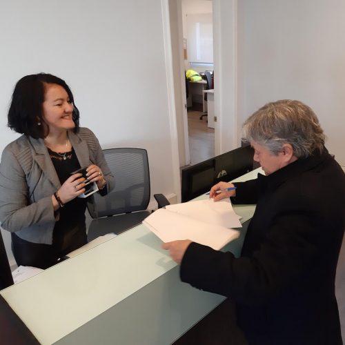 Senador Navarro acude a Defensoría de la Niñez por el uso indebido de imagen de niño en campaña del Mineduc