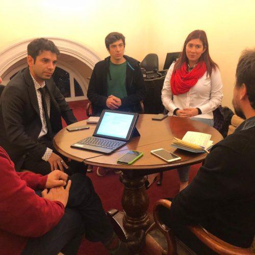 [Emol] Búsqueda de unidad en la oposición: Bloque PC-PRO-FRVS inicia ronda de diálogos con el Frente Amplio