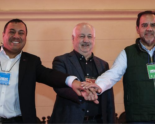 [EMOL] Oposición acelera búsqueda de la unidad: PC-PRO-FRVS iniciará ronda de reuniones con el FA y la ex NM