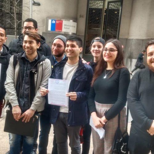 Juventudes Progresistas y Chile Diverso entregan carta a Mañalich por aumento de cifras de VIH