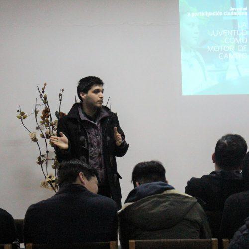 Juventudes Progresistas lideran encuentro sobre participación ciudadana en liceo de Valdivia