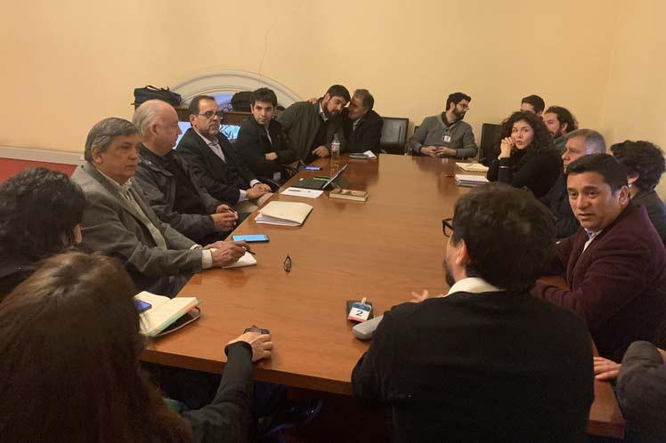 [Prensa Latina] Partidos de oposición en Chile buscan acuerdos programáticos