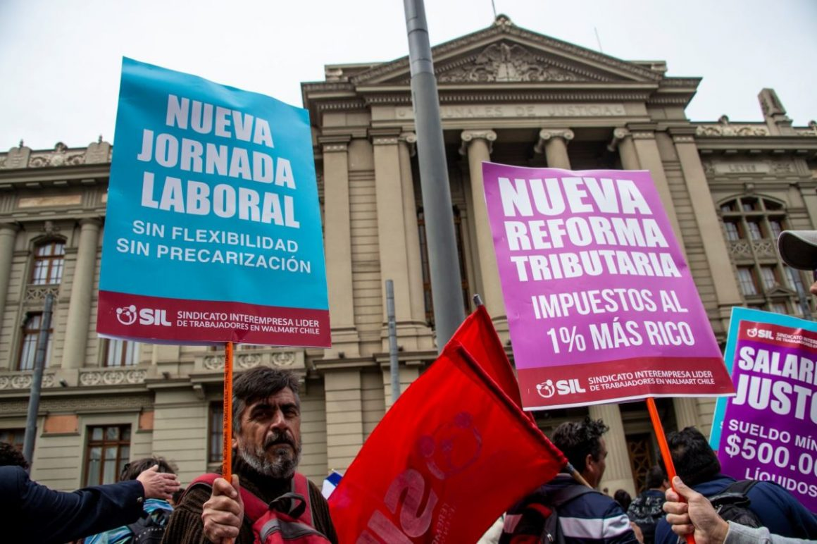 [Radio Nuevo Mundo] Lautaro Carmona y Alejandro Navarro cuestionan acuerdo de senadores y gobierno por reforma tributaria. Piden escuchar la voz de la ciudadanía