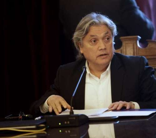"""Senador Navarro: """"Ante decreto de Piñera de retomar trabajos no hay otra respuesta que la acusación constitucional"""""""