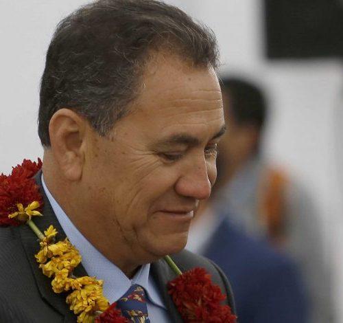 """[ADN Radio] Alcalde de Rapa Nui: """"Tengo un loco a cargo de la salud pública de mi país"""""""