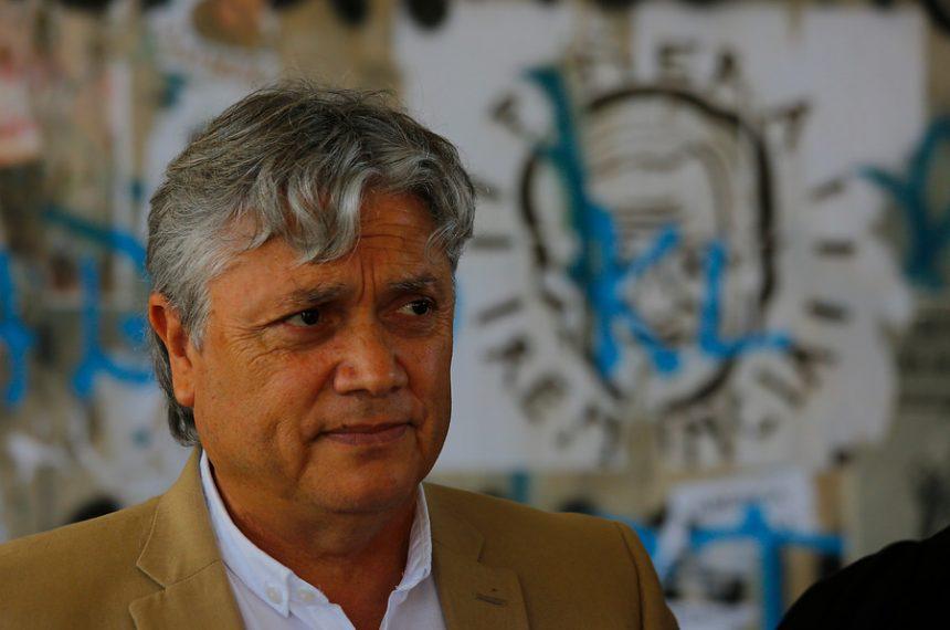 Senador Navarro llama a acusación constitucional para Mañalich
