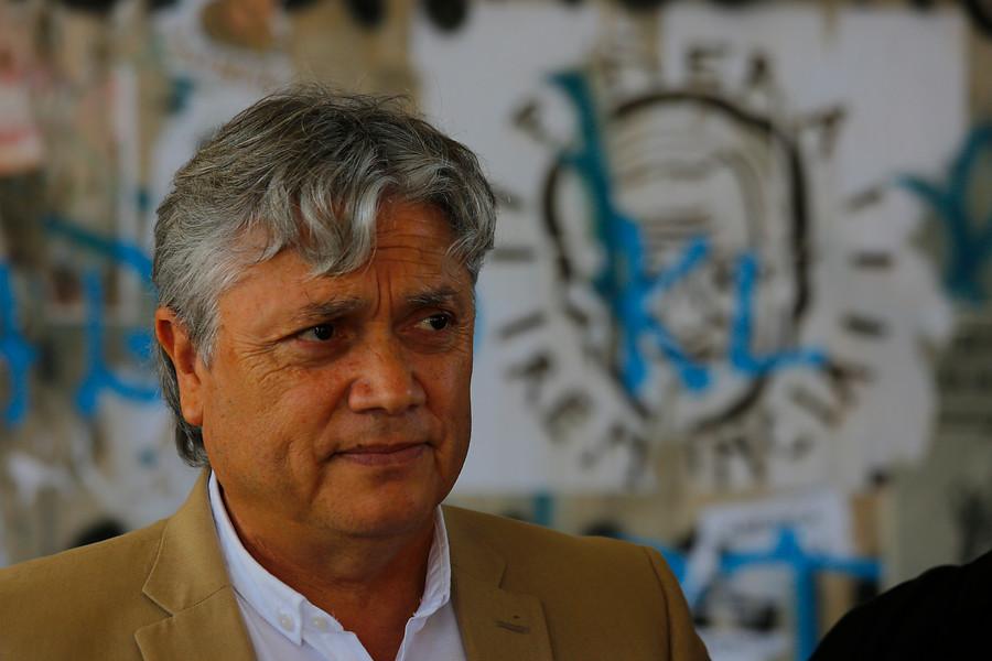 """[The Clinic] Senador Navarro: """"Nadie puede terminar en Dicom por esta pandemia"""""""