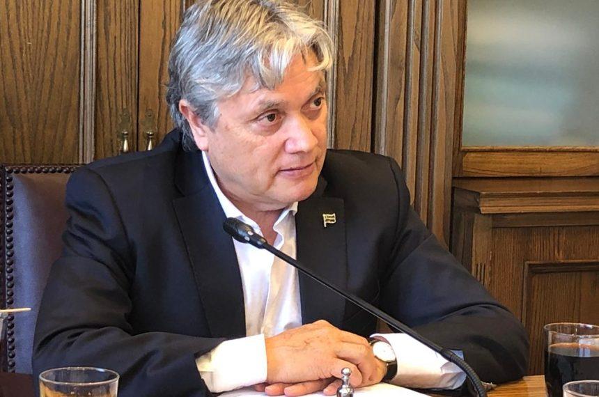"""Senador Navarro y violencia en marcha del rechazo: """"La inacción de Carabineros frente a estas agresiones no quedará impune"""""""