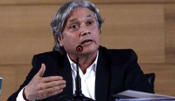 [BIO-BIO] Navarro impulsa proyecto para hacer feriados irrenunciables 15 y 16 de mayo, tras rechazo de Cámara