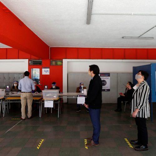 [El Desconcierto] Transporte gratuito durante el Plebiscito: Navarro insiste en su cruzada y emplaza al gobierno