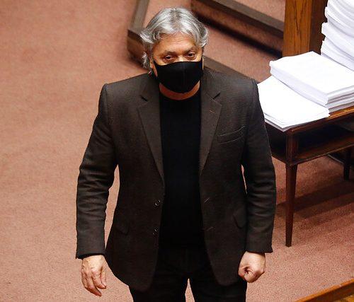 [El Desconcierto] Senador Navarro advierte que «a cinco días del Plebiscito, no hay garantías para los pueblos originarios»