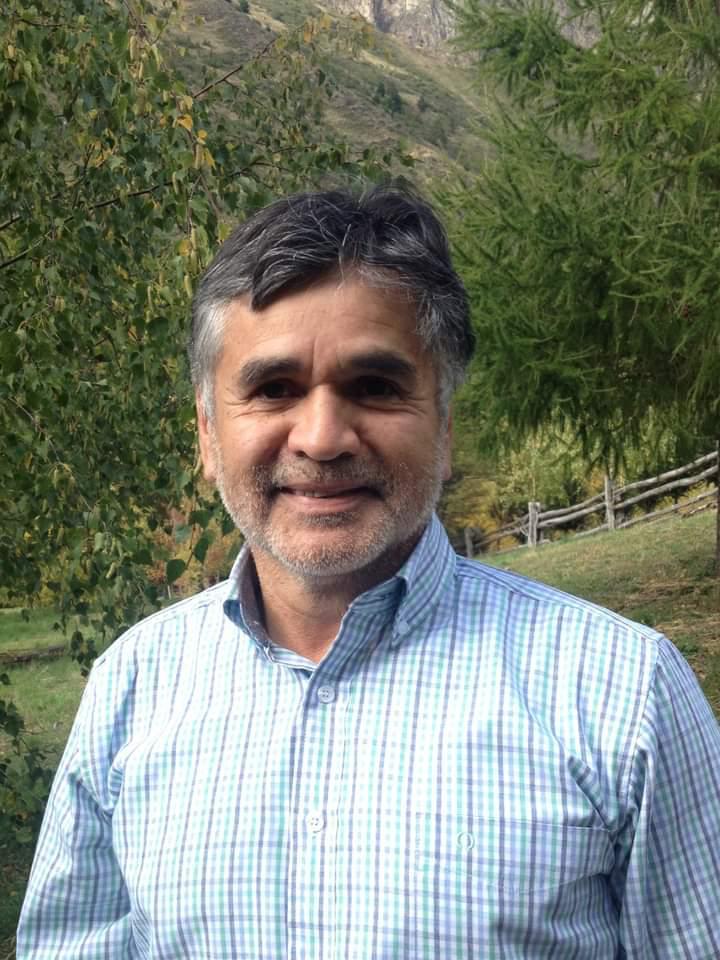 """Luis Cortés H., candidato a gobernador por la Región de Aysén: """"Acercar el Estado a las personas de carne y hueso es fundamental para la toma de decisiones"""""""