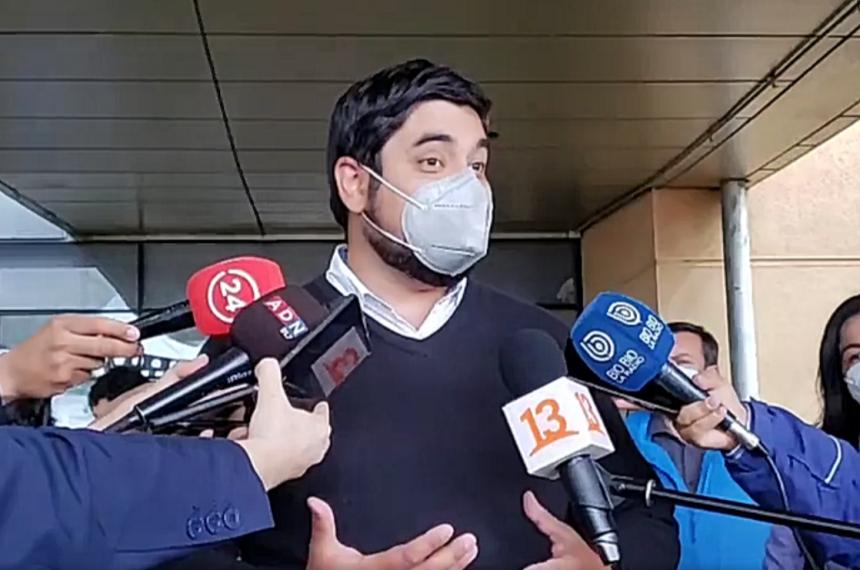 Cercanos al senador Alejandro Navarro critican actitud de Sebastián Piñera