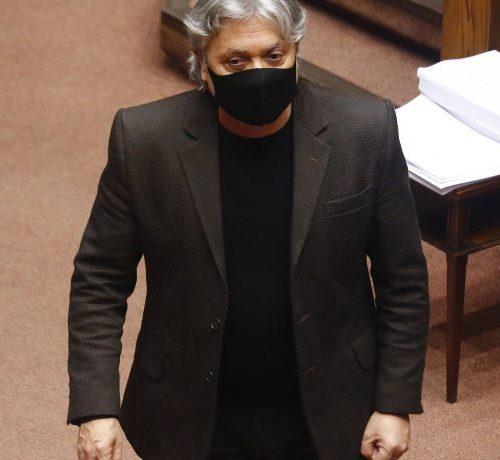 "[Soy Chile] Senador Navarro denunció ""vuelos pandemia"" a Rapa Nui"