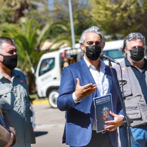 """Marco Enríquez-Ominami entrega su propuesta de hidrógeno verde a representantes la fuerza laboral de ENAP: """"No se puede avanzar en los proyectos de hidrógeno verde sin ENAP y sus trabajadores como socios"""""""