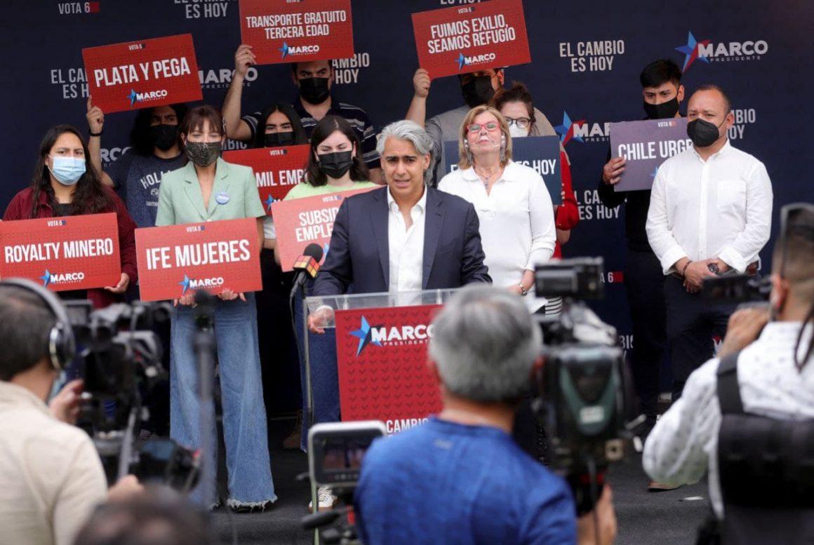 """Marco Enríquez-Ominami pide no dilatar aprobación del cuarto retiro: """"Quiero pedir a la derecha, que ha sido pillada en sus mentiras, que ordene a sus senadores, que se apruebe el cuarto retiro este miércoles"""""""
